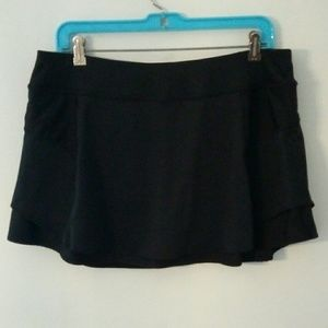 Athleta Bustle Skort Size Large Black